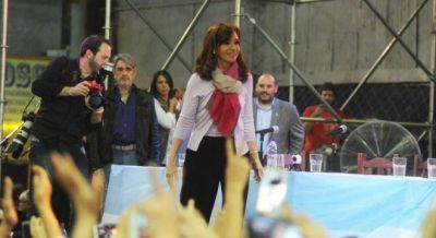 Cristina ya empezó a meter el tarifazo en su campaña bonaerense