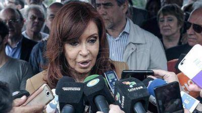 Cristina Kirchner suspendió sus vacaciones y dijo que las