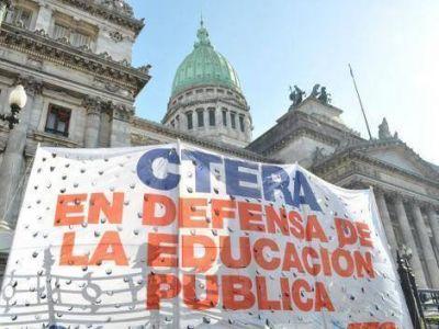 Los docentes anunciarían un paro y marcha el 6 de marzo en demanda de paritarias