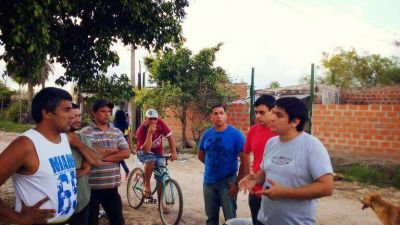 Mario Arce continúa su visita a diferentes barrios de la ciudad