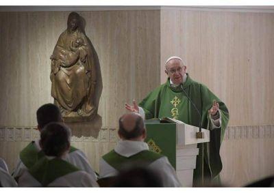 Homilía del Papa: sin la mujer no habría armonía en el mundo