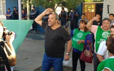 El líder de ATE recuperó su libertad, tras diez horas de arresto