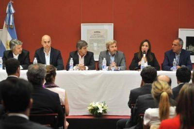 La Provincia firmó junto a la Ciudad Autónoma de Buenos Aires un convenio de cooperación con la UIF