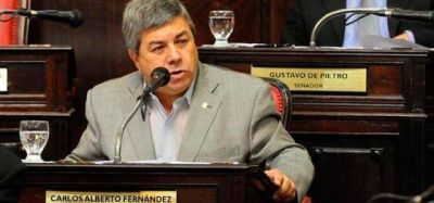 """Tildan de """"disparate"""" la invitación para que Alfonsín se sume al FR"""