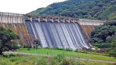 """""""La solución para la falta de agua sería un dique de agua potable"""""""