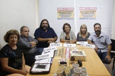 Los gremios docentes de la Provincia se unieron para reclamar la convocatoria a paritaria