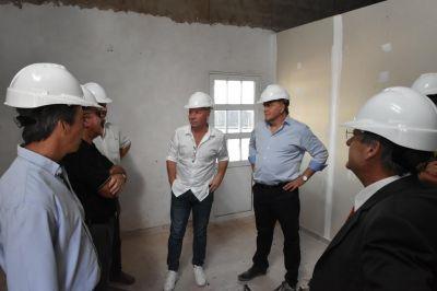 Amaya y Mac Allister recorrieron obras de vivienda en La Pampa