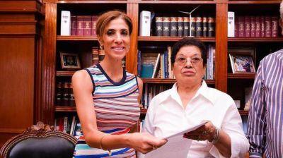 La Gobernadora entregó equipamiento a Centro de Jubilados y Pensionados de La Banda