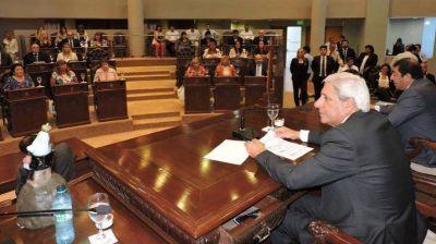 Diputados reeligieron autoridades legislativas