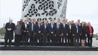 Las provincias debaten la Coparticipación pero reclaman apurar la reforma impositiva