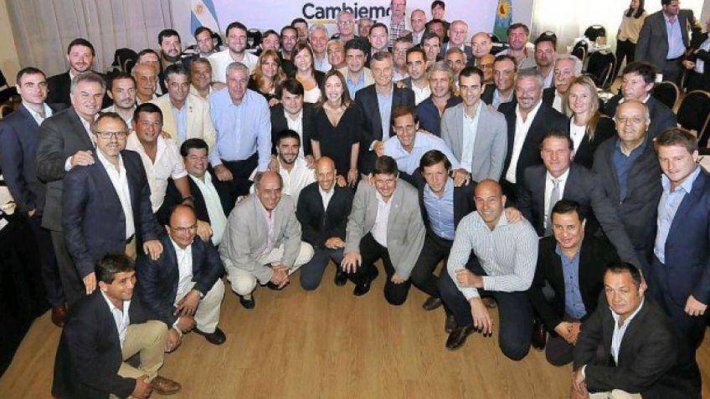 Lunghi marca la cancha: no fue al foro de intendentes de Cambiemos
