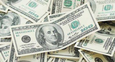 El dólar cedió tres centavos a $ 15,80 y tocó mínimos de fines de noviembre