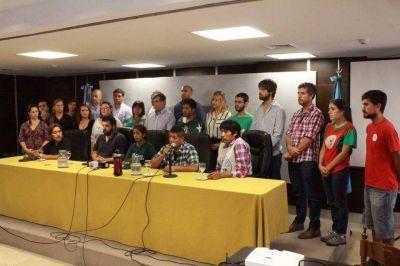 Saintout salió a bancar a los productores de La Plata, a quienes quieren arreglar con unos rollos de nylon, y apuntó contra Vidal y Garro