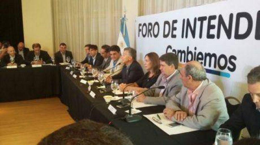 Los intendentes municipales de Cambiemos con el presidente Macri, Vidal y Durán Barba