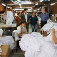 Buscan asegurar la continuidad de la textil La Escalada
