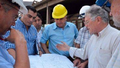 Morales recorrió la planta de Aceros Zapla