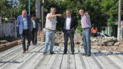 """La Municipalidad avanza con la reconstrucción del """"Puente de los suspiros"""""""