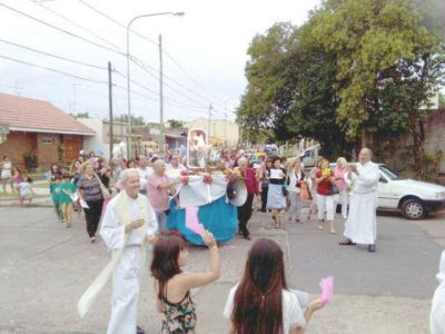 Virgen de Lourdes convocó a fieles