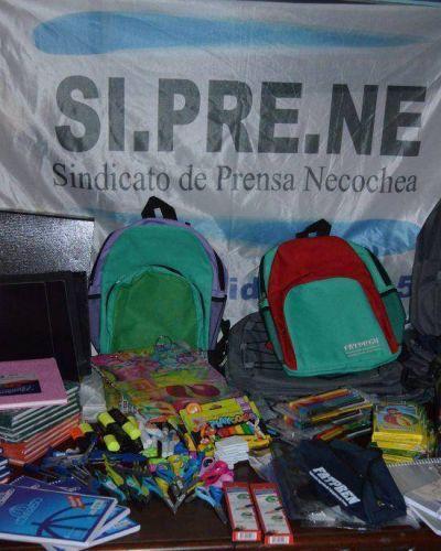 SIPRENE: Entrega de kits Escolares