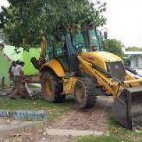 Continúa el arreglo de baños y la demolición en el ex Balneario Municipal