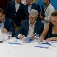 Intendentes bonaerenses firmaron un convenio para fortalecer El Mercado en tu Barrio