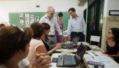 Larreta visitó la primera capacitación masiva para docentes