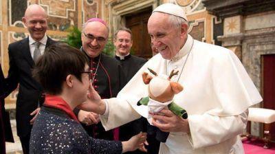 En plena interna, Francisco traslada a su máximo opositor lejos del Vaticano