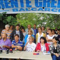 Docentes protestaron en la plaza central por la oferta salarial recibida y la falta de diálogo