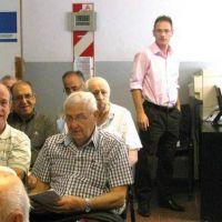 Agilizarán los trámites para que los adultos mayores renueven el registro de conducir