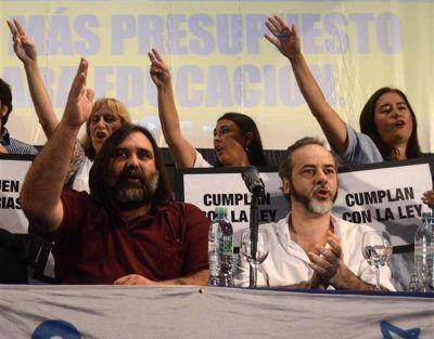 Vidal y los docentes negocian contra reloj