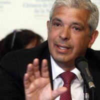 Domínguez lanzó su candidatura y dijo que es