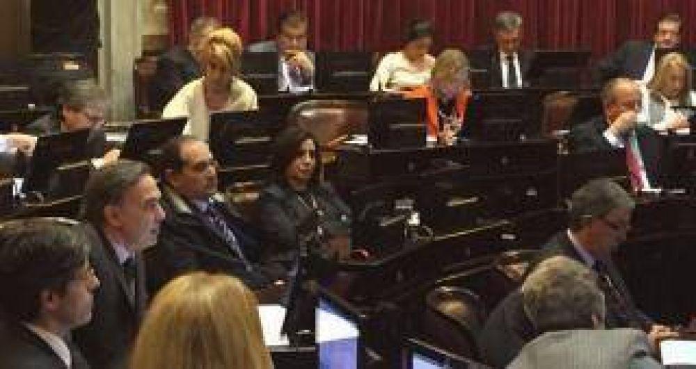 Alperovich se esfuerza por superar a su esposa en el Senado