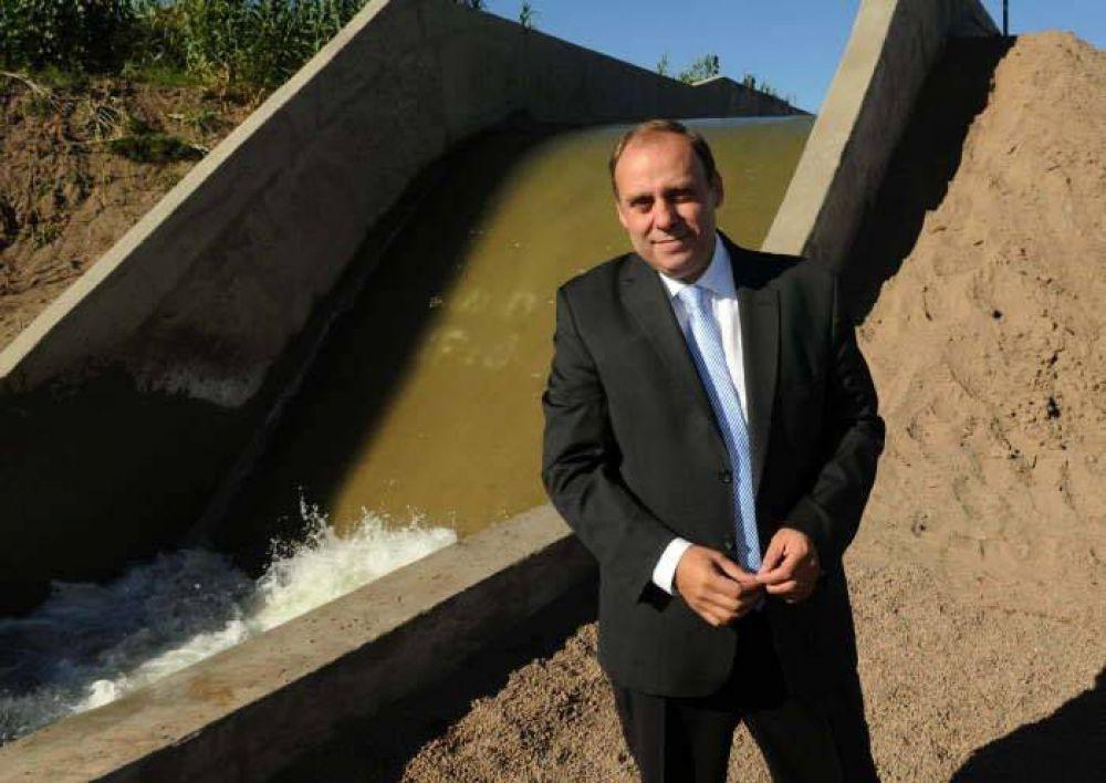 """Irrigación: sin apuro, Cornejo define """"su"""" superintendente"""