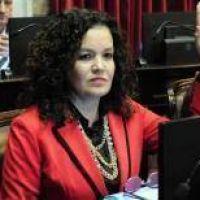 En off side. Dos senadoras riojanas habían votado por Milani