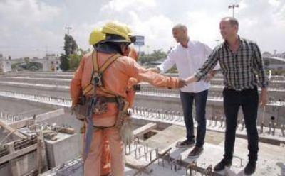 """Dietrich junto a Insaurralde en obras de Puente La Noria: """"Esto es el fruto del trabajo en equipo"""""""