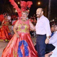 Insfrán compartió la popular fiesta del carnaval lomitense