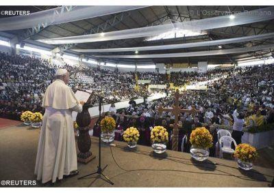 """El Papa a los Movimientos Populares: """"Como el buen samaritano, sanemos las heridas sociales"""""""