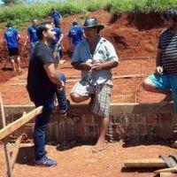"""Agrupación """"La Corriente"""" construye un aula satélite en San Vicente"""