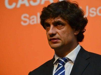 360 mil pesos en cortinas nuevas para Hernán Lacunza