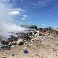 Vecinos piden tomar conciencia ante crecientes focos de basura