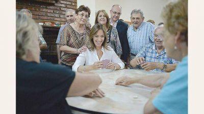 Vidal prepara mejora en oferta salarial a los docentes, pero manteniendo suba de 18%