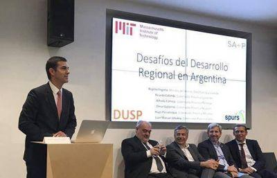 Urtubey disertó en EEUU sobre los desafíos del desarrollo en Argentina