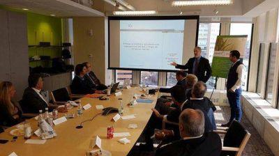 Cornejo y Kerchner se reunieron en Boston con especialistas sobre planeamiento y riesgo hídrico