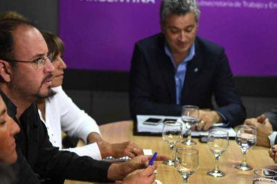 El Gobierno suma propuestas para el acuerdo docente
