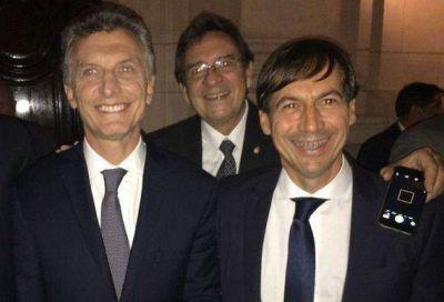 Naidenoff acompaña a Macri a España en busca de inversiones