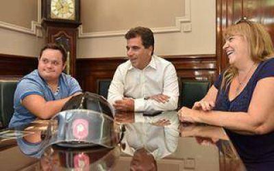 Ritondo recibió al joven bombero de Junín con Síndrome de Down