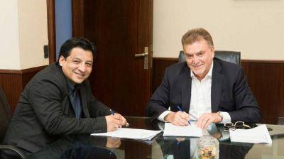 Firman convenio de obras de pavimentación para Beltrán