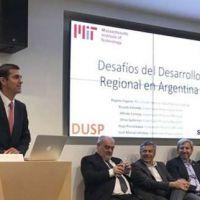 Urtubey disertó sobre Desarrollo Regional