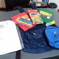 Entrega de mochilas, guardapolvos y útiles escolares para afiliados de ATE