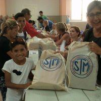 El Sindicato de Trabajadores Municipales empezó a entregar los útiles escolares